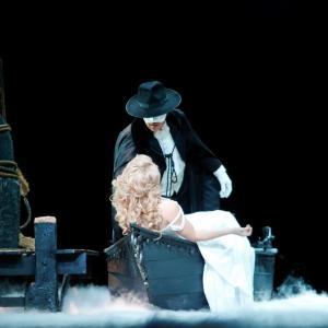 5年ぶりの来日! ロンドン演劇界の鬼才、ケン・ヒル版『オペラ座の怪人』を見逃すな