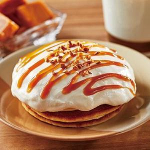 ローソン新作パンケーキは、たっぷりクリームがインパクト抜群!