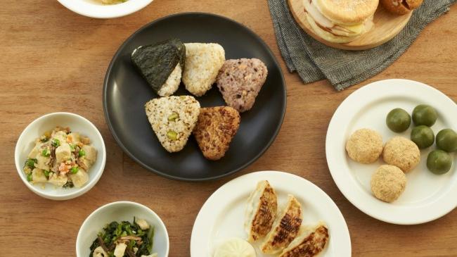 無印良品初の「冷凍食品」デビュー! 惣菜からお菓子まで50種を展開。