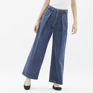 GUで人気の「バギージーンズ」が790円!? 衝撃値下げ中!