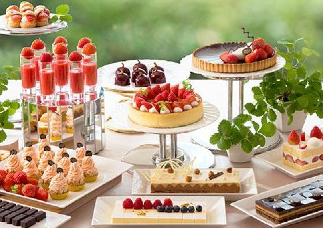 「苺とショコラの饗宴」がバージョンアップ!苺のおいしさ新発見できるかも。