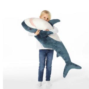 おうちに1体欲しい... ツイッターで話題のイケアの「サメ」が本当にかわいい。