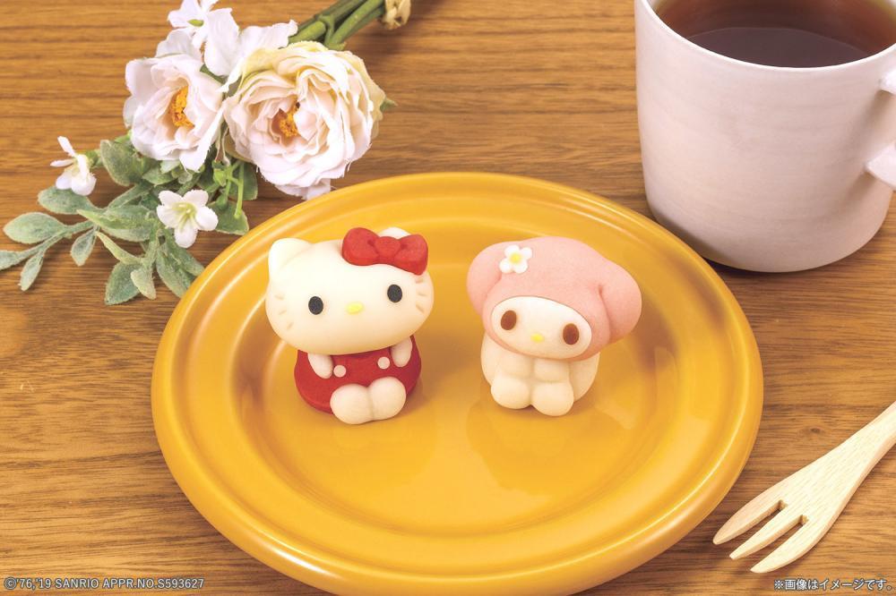 キティとマイメロがこっち見てる...! ローソン生和菓子が可愛すぎて尊い。
