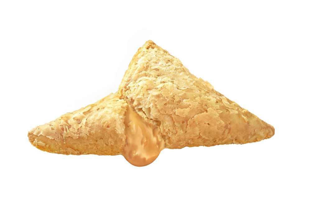 【明日から】マックの新「三角チョコパイ」。 アーモンド粒入りのキャラメルチョコクリームだよ。