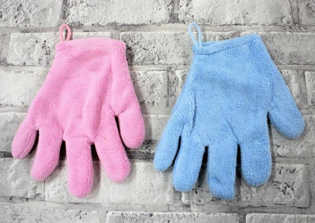 「乾かす時間1/3になってオススメです」... SNSで話題のダイソーの手袋、実際にはめて試してみた。