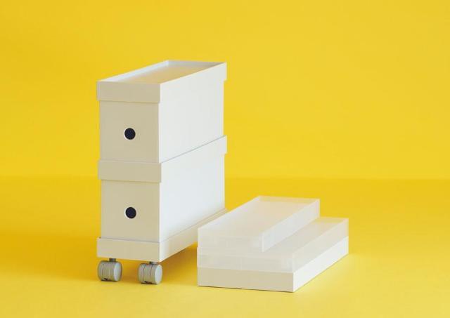 無印の「ファイルボックス」をもっと便利に。 キャスター付きのフタがかなり使えます。