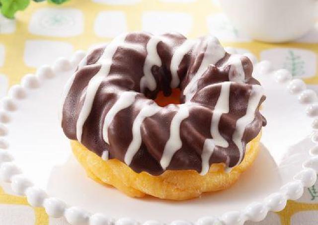 冷やして食べると最高。ファミマの151円ドーナツが満足度高め。