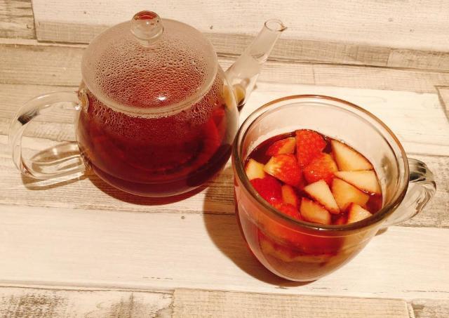 全イチゴ好きさんに届けたい。自宅で簡単「イチゴ紅茶」が見た目も風味も楽しい。