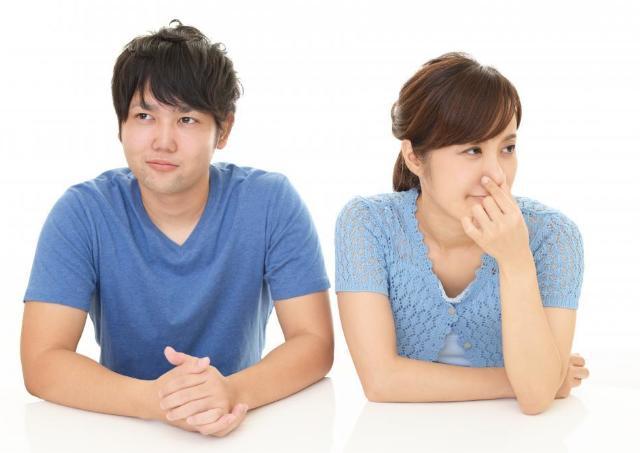 2組の夫婦が手に入れた「新生活」。 ニオイ問題を解決した妻の「一言」とは...。