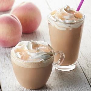 インスタで人気! タリーズの桃ドリンクがもっとおいしくなる100円トッピング。