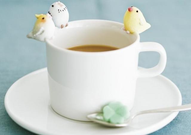 カップに落とすなんてできない...。 「小鳥シュガー」可愛すぎでは?