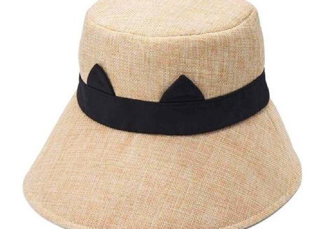 さりげない猫耳がかわいすぎる...! UVカットも丸洗いもできる優秀な麦わら帽子。