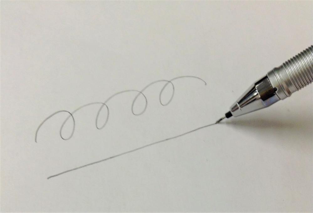 ボールペン の インク が 出 にくい