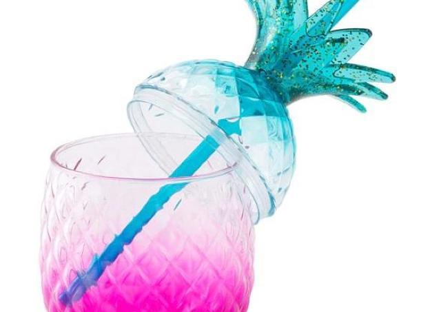 どんな飲み物でも映える「魔法のボトル」 500円台で買えるよ~。