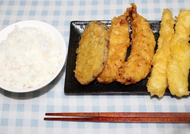 大ボリューム天ぷら5個が450円! 丸亀製麺の限定お得サービス試してみた。