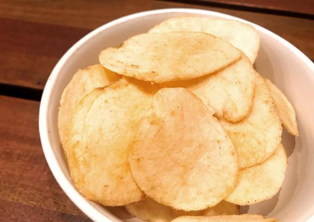 夏だけ全国で食べられる! 人気の地方限定ポテチ5商品。
