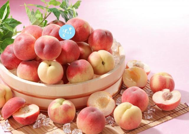旬の桃を好きなだけ! タピオカ食べ放題も同時開催だよ~。
