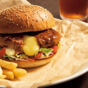 「チーズ IN ハンバーグ」入りだと!? 新しい「ガストバーガー」、絶対うまいやつ。