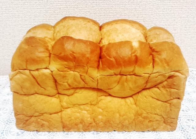 朝食の救世主! 業務スーパーの特大食パン、お得感すごいのにめちゃうま。