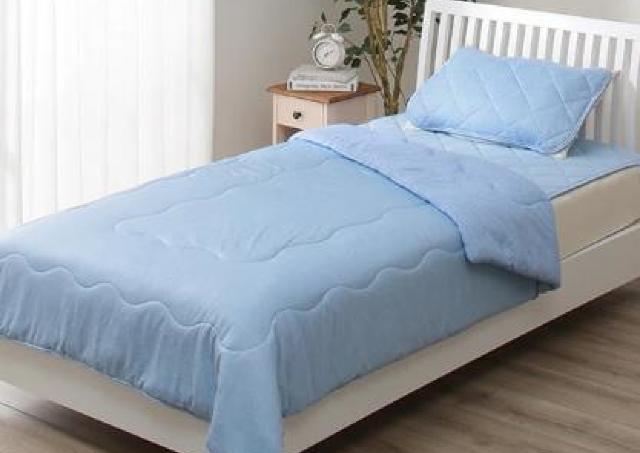ひんやり寝具が最大40%オフ。熱帯夜に備えてニトリへ急げ~!