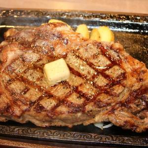 柔らかさにビックリ! 「ステーキガスト」のパワーアップしたお肉、食べてきたよ。