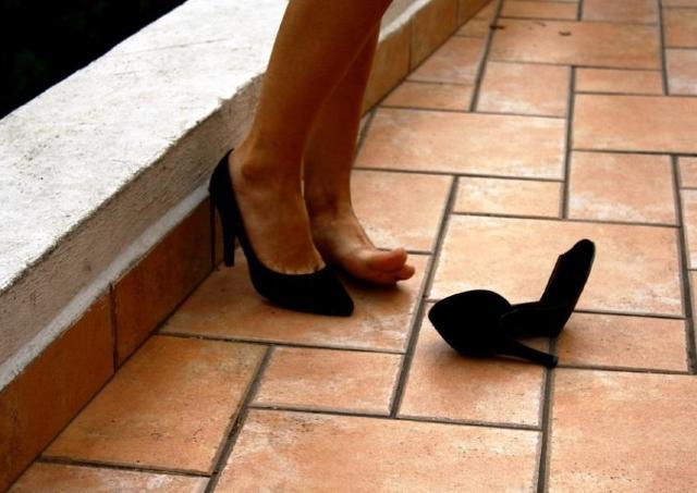 厄介な靴擦れはコレで対策!「痛くならない」と反響の保護テープ、知ってる?