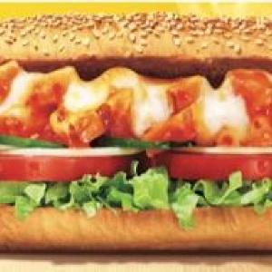 とろ~りチーズに、刺激的な辛さ... サブウェイに食欲そそる「罪深いサンド」誕生!
