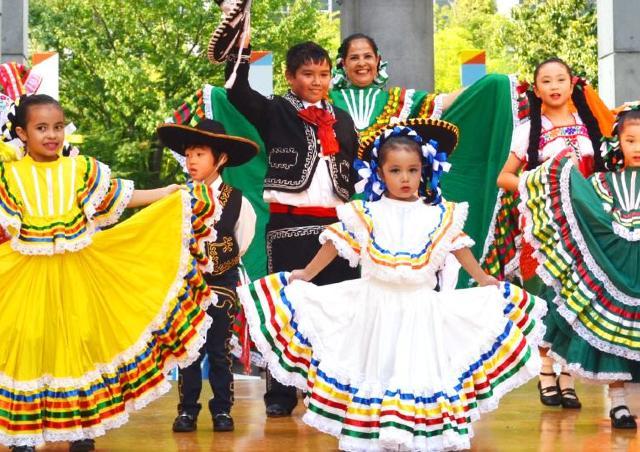民芸品にグルメ、ステージ...西日本最大級のメキシコのお祭り!