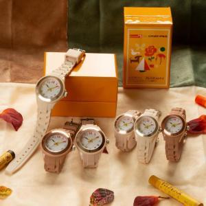 針がクレパスになってる...! 秋冬カラーの時計、可愛すぎるよ...。