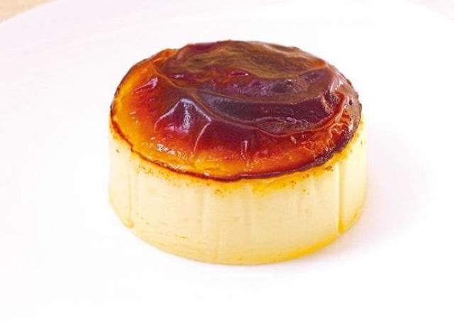 「ペロッと完食してしまった」 成城石井の「バスクチーズケーキ」も超絶ウマイだと?