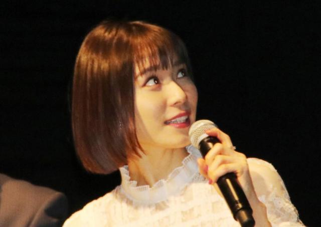松岡茉優さんが「抱かないと寝られない」 話題のもちもちクッション、どこで買える?