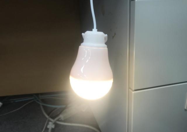非常時・緊急時にも役立つ。 100均&ニトリの便利ライト3つ。