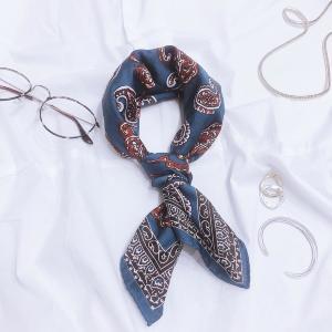 スカーフの1番簡単な巻き方、スタイリストが伝授します!