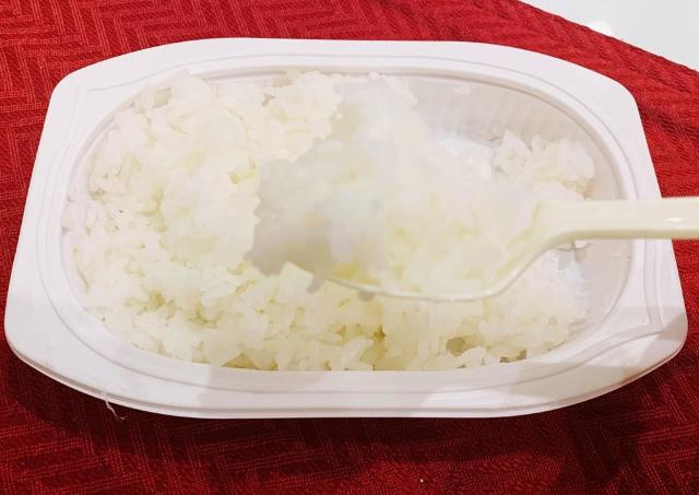 ポットがあればOK! ホカホカの「パックご飯」を作る非常時テク。