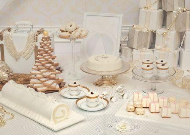 光り輝く純白な世界をクリスマスデザートビュッフェで。
