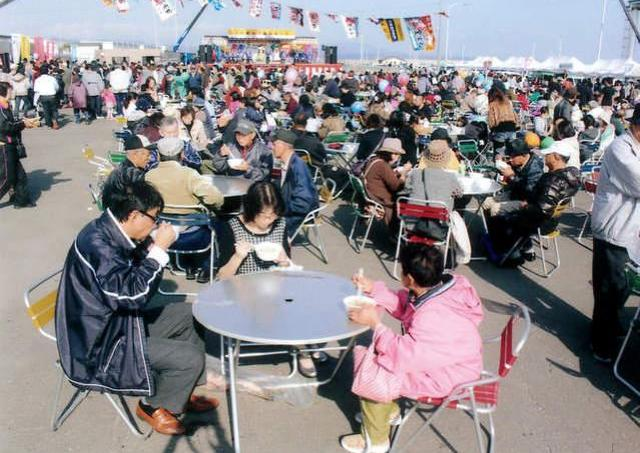 今年がラスト! 新鮮な魚介をたっぷり楽しめる漁港のお祭り