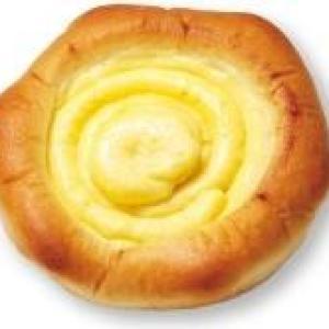 お客さんの声から誕生! ローソン100の「具材の方が多い」菓子パン