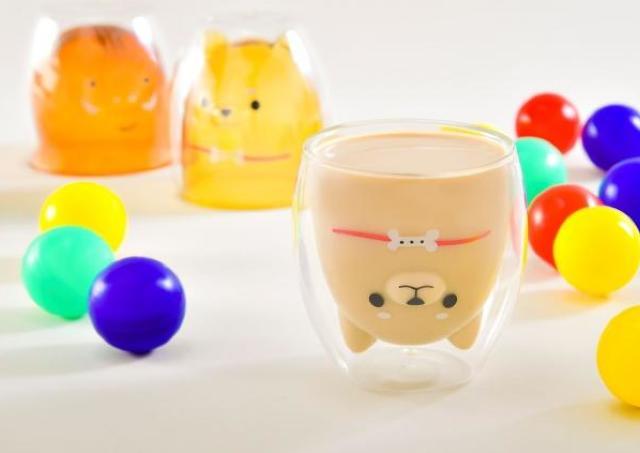 飲み物を注ぐとデザインが現れるハンドメイドグラス ロフトで買えるようになるよ。