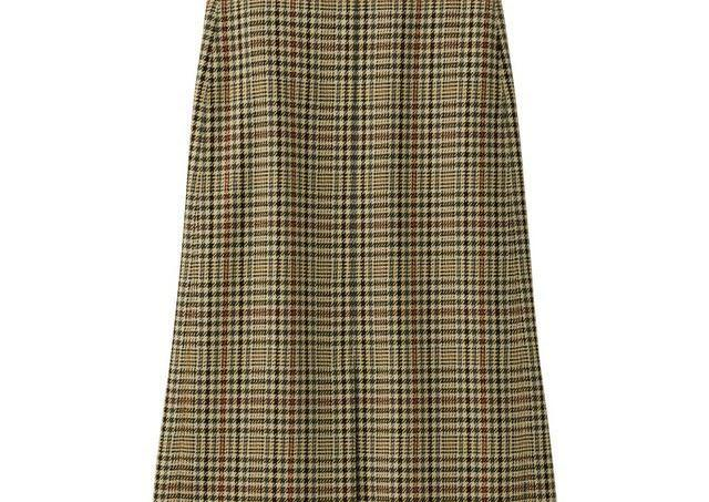 「安っぽさゼロ」なのに990円! GUで人気の「ミディスカート」が大幅値下げ中。