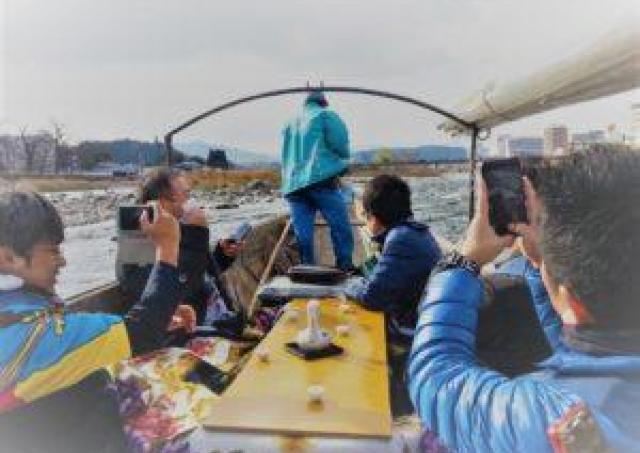 ゆったりと自然に癒やされる球磨川をこたつ船で下ろう