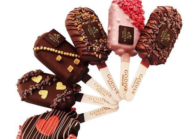 うっとりする美しさ。 ゴディバのバレンタイン限定アイスバー、食べに行かなきゃ。