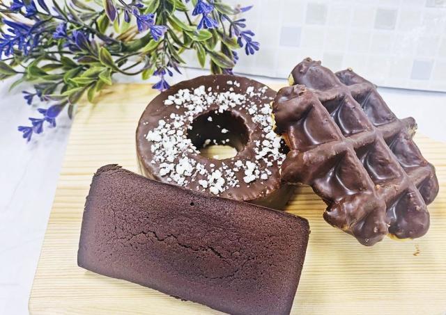 セブン行こ。 濃厚でめちゃうまのチョコ焼き菓子見つけたよ~。