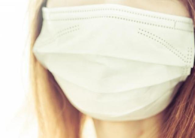 入る 場所 手 に マスク
