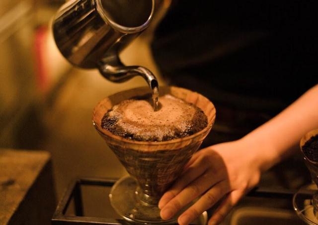 専門店の「0から始めるコーヒー抽出講座」2月は「フィルター編」