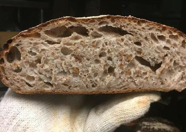 粋なはからいに感謝。 休校の家庭に「パン屋さんの自家製パン」を無料で提供!