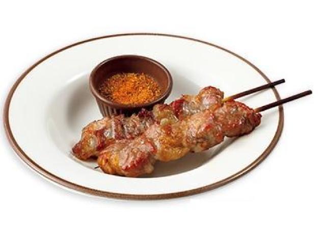 超待ってた! サイゼの大人気メニュー「ラムの串焼き」、ついに東京へ。
