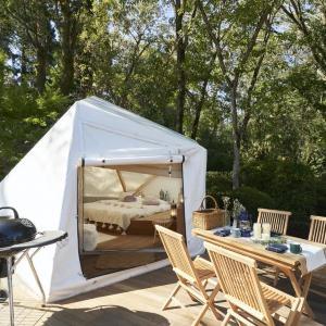 自然の中でテントキャビンも露天風呂も 千葉の体験型リゾート施設がリニューアルオープン!