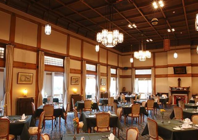 奈良ホテル、創業以来のメインダイニングルームが営業再開