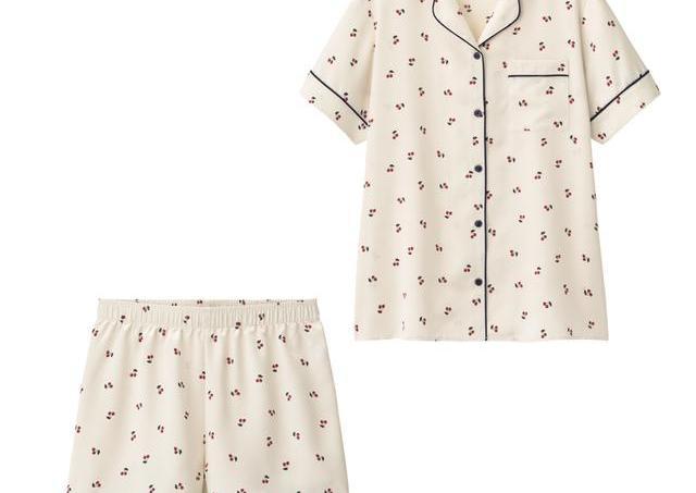 GUの新作パジャマ可愛すぎ! サテン×フルーツ柄はテッパンだよね。