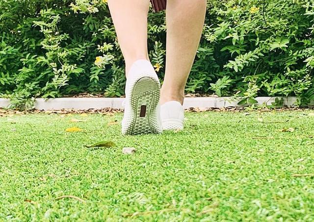 1歩で体重1.5倍の衝撃...! 歩くだけでかかる足への負担、軽減するには?